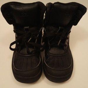Woodside ACG Nike Boots-Size 1Y